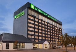 Wyndham Garden Hotel at the Falls