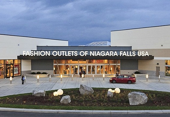 Niagara Falls USA Fashion Outlets